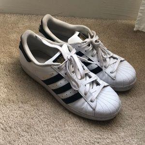Adidas superstars size 7